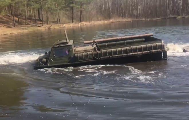 ГАЗ-71 на воде