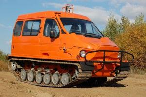 Грузопассажирский гусеничный вездеход ГАЗ-3409 Бобр для рыбаков и охотников