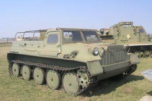Гусеничный вездеход ГТС или ГАЗ-47 для суровых климатических условий