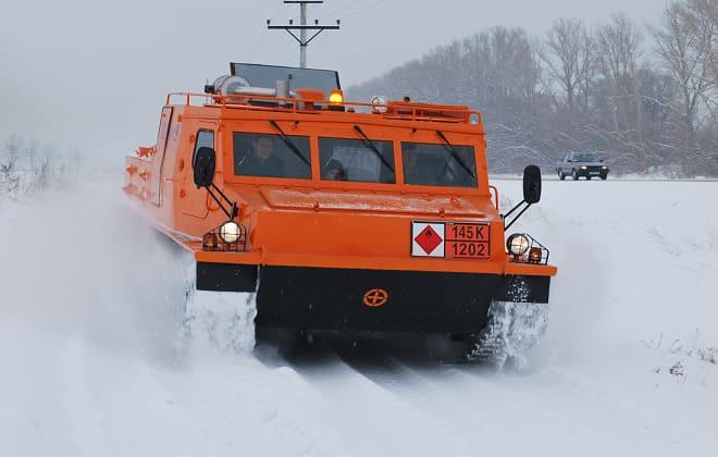 Оранжевый гусеничный вездеход ГТ-ТР