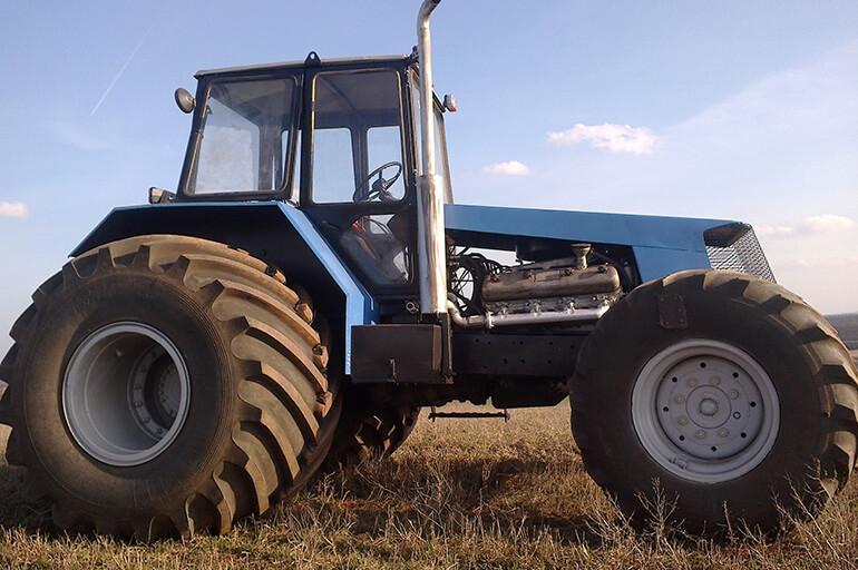 Трактор Бизон